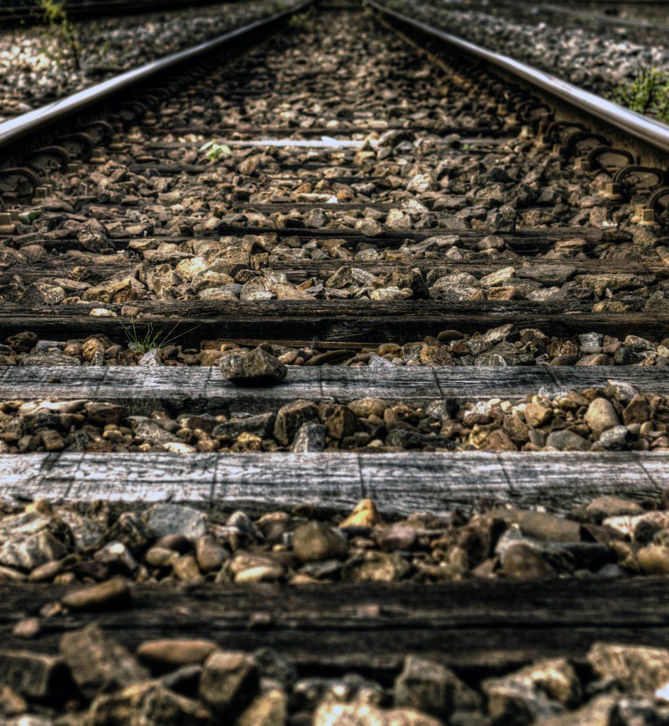 rails-train-path-way